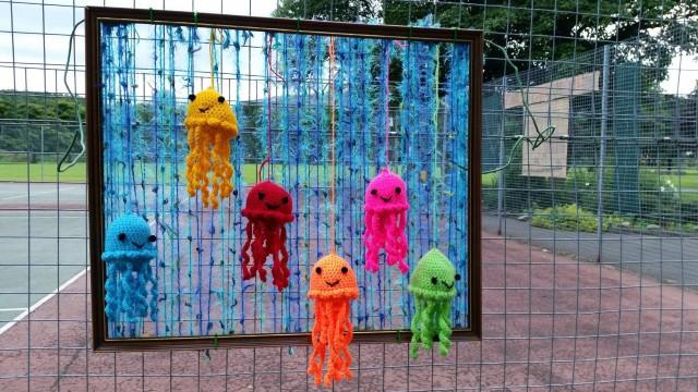 Yarnbombing in Nuttall Park